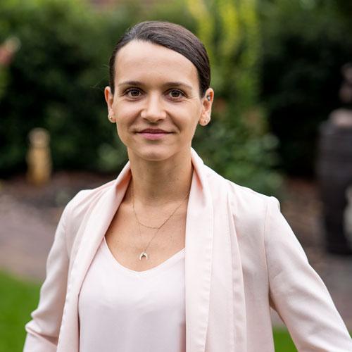 Monika Schnibbe